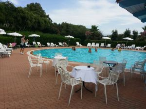 piscina hotel cerdeña