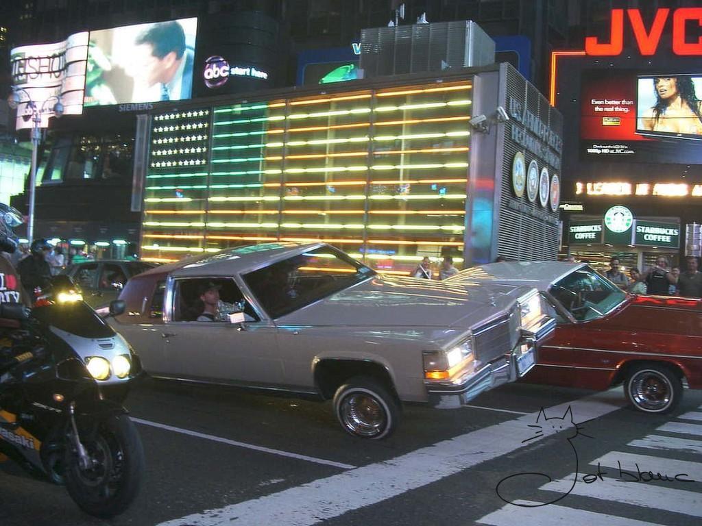 Times Square  cotxe
