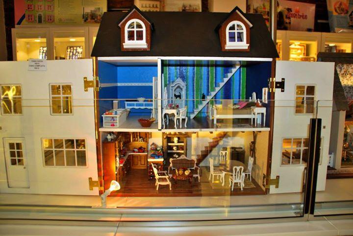Miniature Houses / Casas en Miniatura