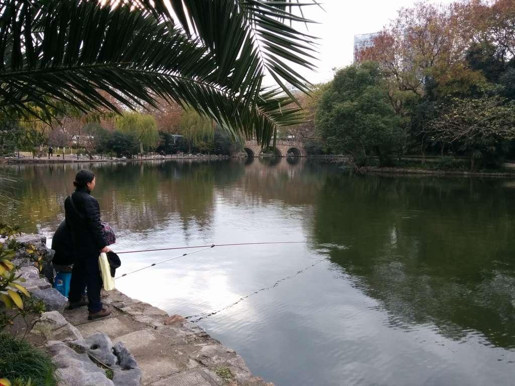 Pescant al llac