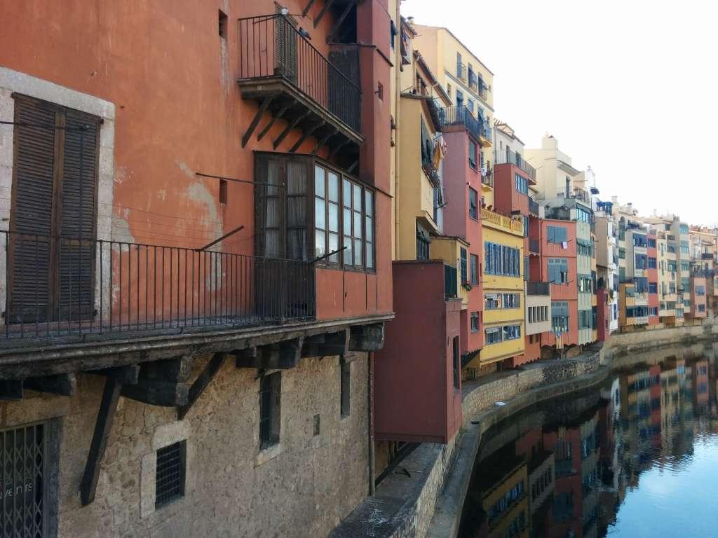 Balcon sobre el rio